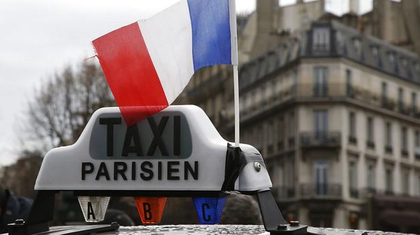 Uber skal betale millioner til franske taxaselskaber