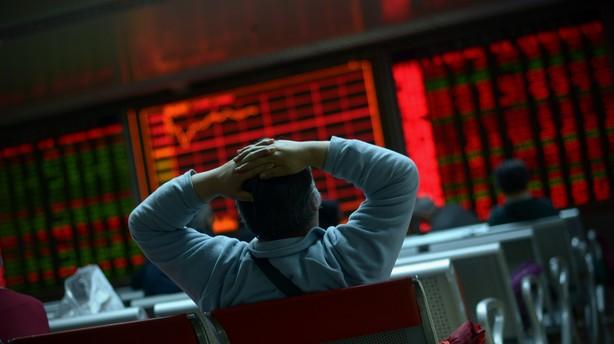 Asien: Aktierne genvinder tabt terr�n under kraftig handel