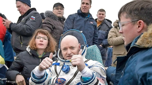 Rekord-astronaut g�r p� pension efter et �r i rummet