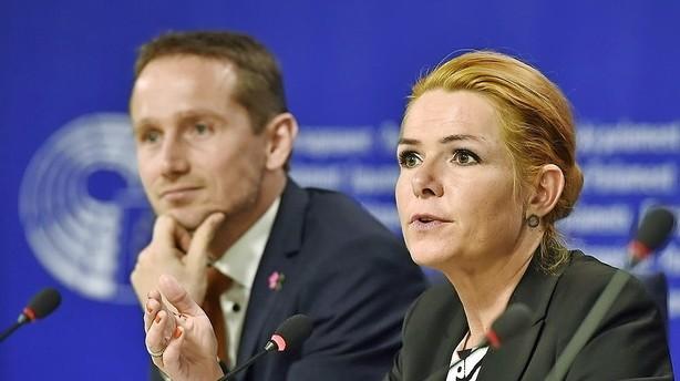 Dansk Industri er bekymret over smykkelovsballade