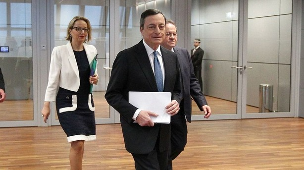 Draghi vil holde renterne i bund l�nge endnu