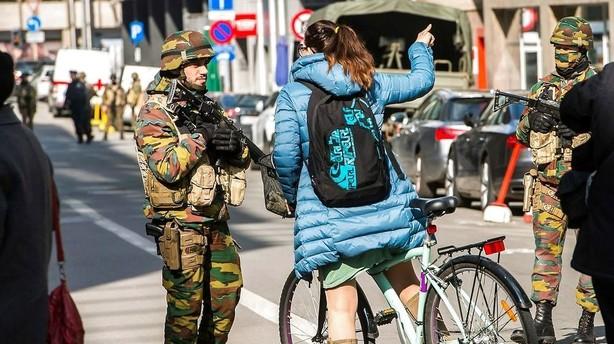 Efters�gt bombemand i Bruxelles deltog i Paris-angreb