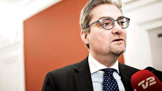 Pind: Danmark unders�ger ikke skibsbrand igen