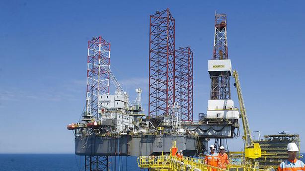 V�rdien af Dongs oliefelter svundet til det halve - p� �t �r