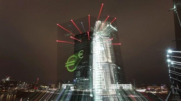 ECB fanget i krydsild om inflationsm�l