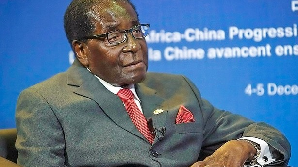 Mugabe vil g�re Afrika �konomisk uafh�ngig med gave p� 300 k�er
