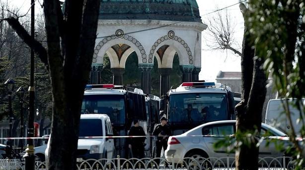 Danskere i Istanbul b�r undg� offentlige pladser