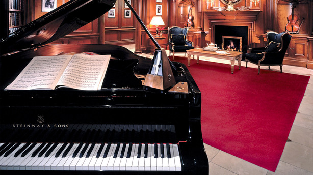 piano and steinway There are a handful of piano companies which make pianos equal in quality to steinway find out 5 common myths associated with the iconic piano company.