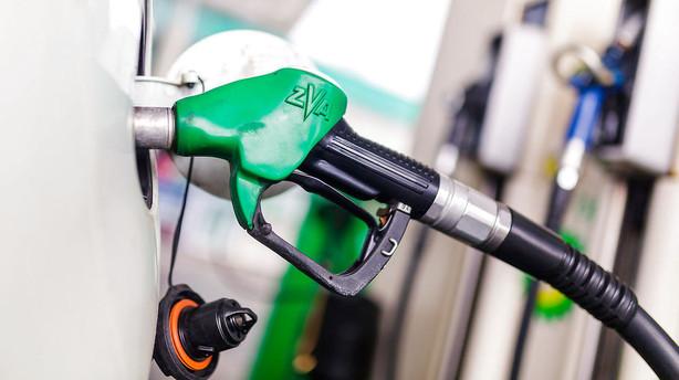 Fredag f�r danskerne de laveste benzinpriser i seks �r