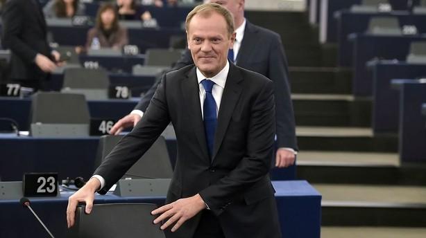 Tusk giver EU to m�neder til at kontrollere flygtningekrise