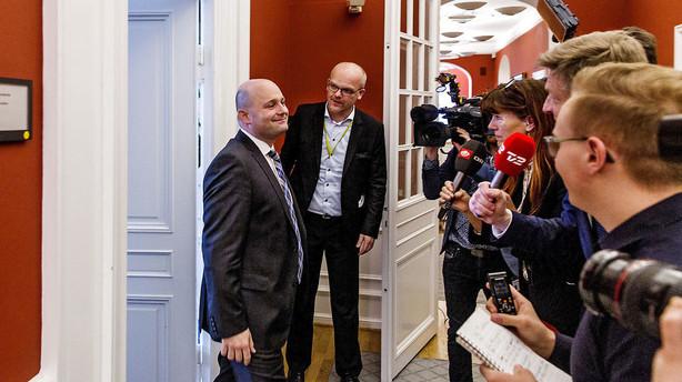 Konservativ top-direkt�r: Det er en fejl, S�ren Pape