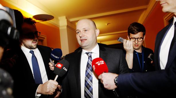 S�ren Pape f�r krisem�de: Vi frygter ikke et valg