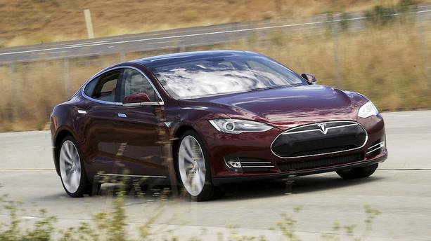 Tesla klar med kendt bilmodel til b�rn