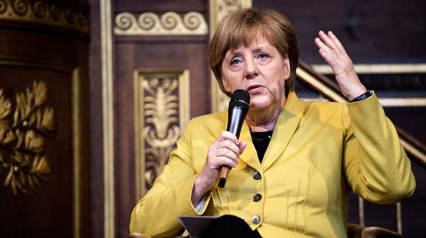 Merkel sl�s for flygtningeaftale med Tyrkiet