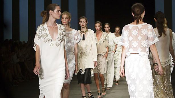 Dansk modekoncern s�lger aktier i DK Company