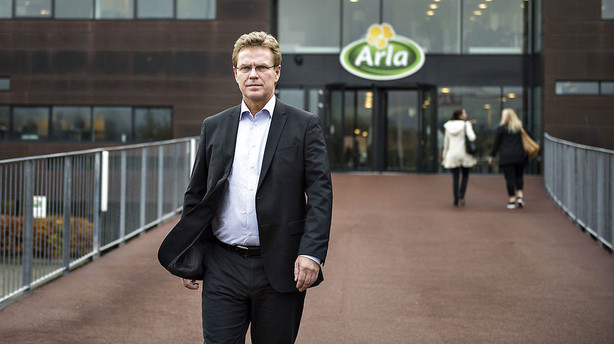 Lave priser trykker Arlas resultat voldsomt ned