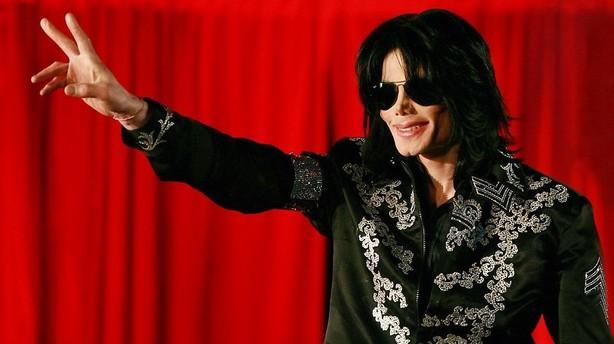Sony k�ber Michael Jackson ud af selskab for 5 mia