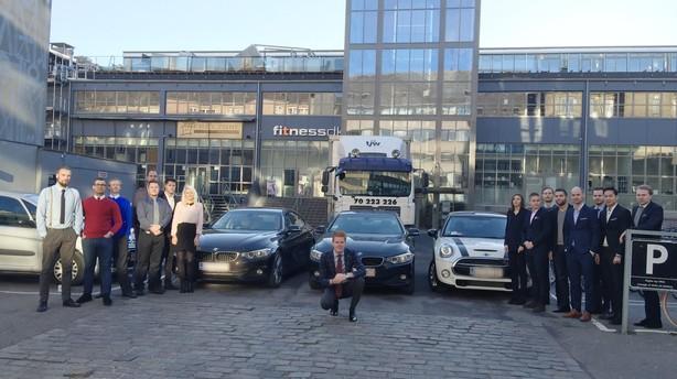 Tre BMW'er blev direkt�rs l�sning p�  gr�nseproblem for 20 medarbejdere