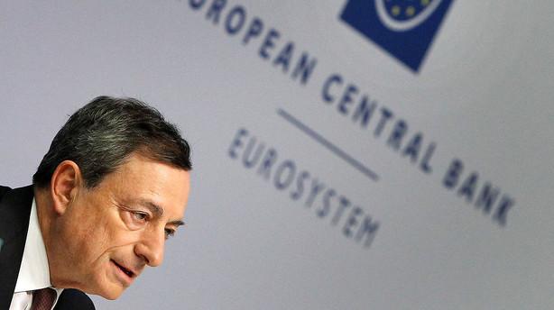 �konomer: ECB vil formentlig fors�ge at redde investorerne