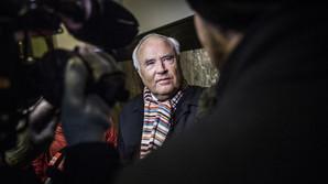 Reportage: Seks timer i retten med Don � og en t�rstig Glistrup
