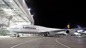Ind i Lufthansas jumbojet til 2,3 mia kr