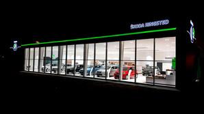 Nye store bilhuse skyder op i Danmark