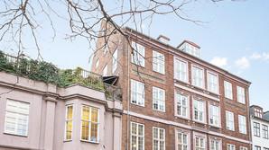 Skandaleramt advokat s�lger byens m�ske bedste bolig