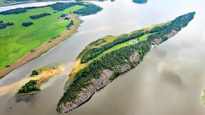 Nu kan du k�be Tiger Woods svenske �-paradis