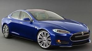 Elon Musk afsl�rer ny Tesla til under halv pris