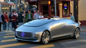 Mercedes fremtidsbil er p� gaden