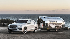 Bentley med ikonisk camper p� jydekrogen