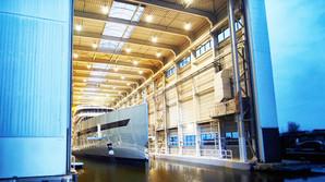 Her bliver verdens f�rste hybrid-superyacht afsl�ret