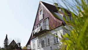 "Bes�g indretnings-bossens egen ""Pippi-villa"" n�r Dyrehaven"
