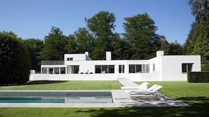 Danske arkitekt-perler til salg netop nu: Utzon, Ingels og Arne Jacobsen