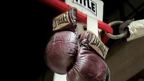 H�rdtsl�ende hammerslag p� Muhammad Alis handsker