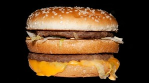 Forst� valutakrigen gennem Big Macs