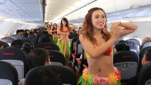 "Million�se sender ""Bikini-Airlines"" p� b�rsen"