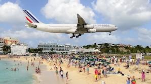 """""""G�sterne p� stranden ligger kun 20 meter under flyet"""""""