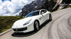 Ekstrem Ferrari med plads som i en Skoda