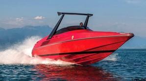 Legendarisk speedb�d forkl�dt som Ferrari - nu til salg