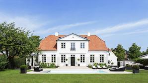 Helt vild Hellerup-villa: Proppet med marmor og m�rkevarer