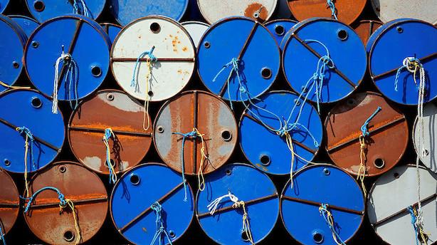 Råvarer: Energiagentur-rapport giver sivende oliepriser