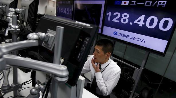 Valuta: Yen styrkes på ny frygt for økonomisk nedtur
