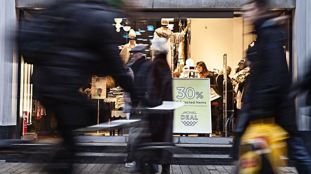 Forbrugerne ryster en smule på hånden