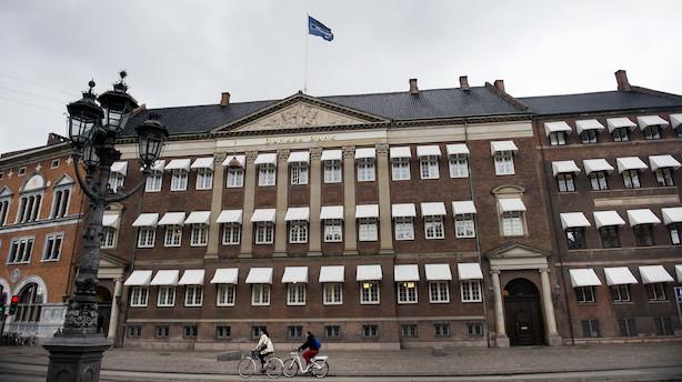 Midt i hvidvaskskandale: Chef for Danske Banks prestigeenhed har sagt op