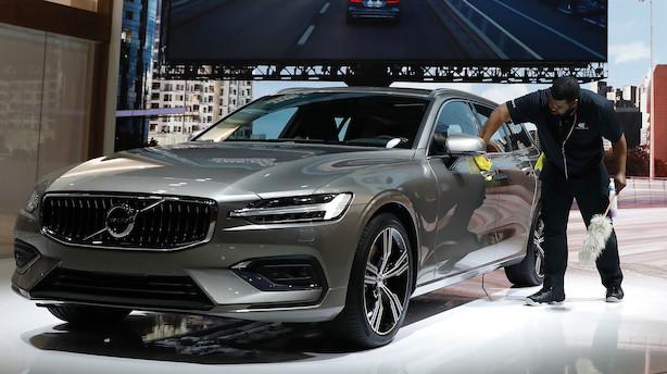 Internationale avisuddrag: Volvo advarer mod selvkørende biler, Apple står foran stort strategiskifte, Uber tæt på kæmpe opkøb