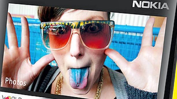 Nokia overvejer at skære 8500 job