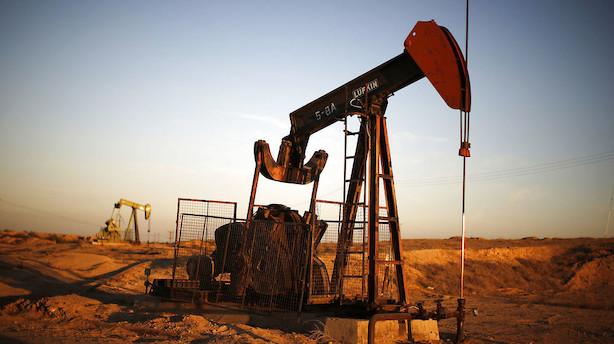 Råvarer: Uændrede oliepriser trods overraskende lagerstigning