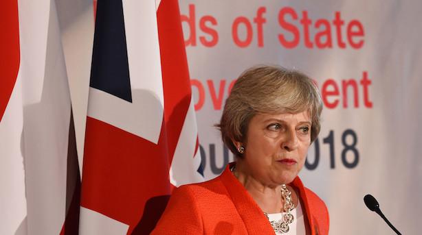 May under pres: Fremlægger ny plan for at nå brexit-aftale