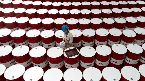 Råvarer: Sivende oliepriser af frygt for faldende efterspørgsel